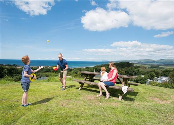 Family Fun Brynowen, Dyfed