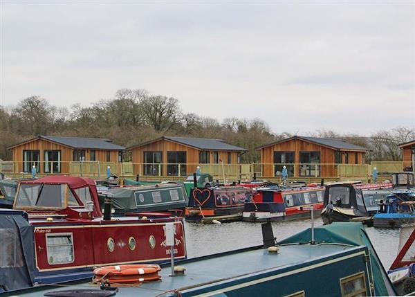 Relax and Explore Devizes Marina Lodges, Wiltshire