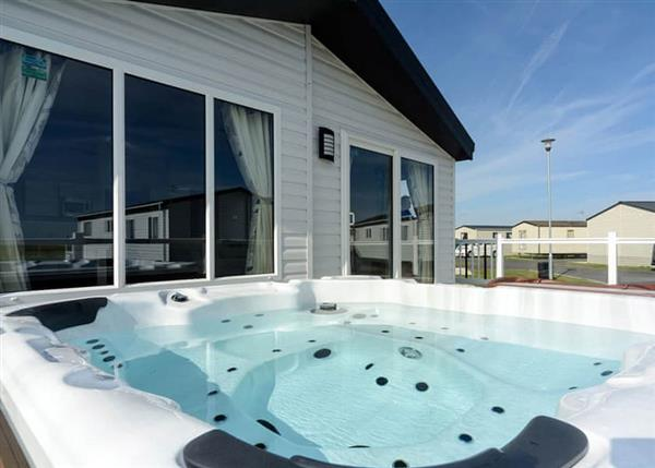 Relax and Explore Grange Leisure Park, Lincolnshire
