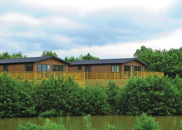 Relax and Explore Kingswood Golf Lodges, South Yorkshire