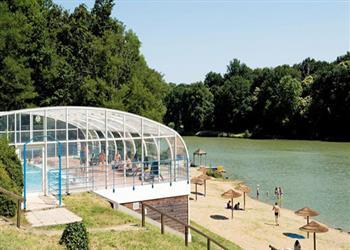 Le Parc de Fierbois campsite - Tours, Loire, France