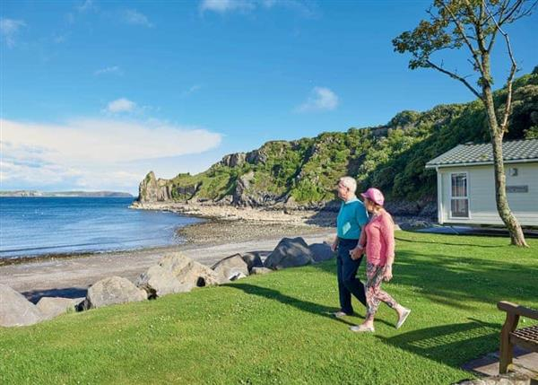 Relax and Explore Lydstep Beach, Dyfed