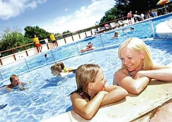 Family Fun Waterside Holiday Park, Torbay