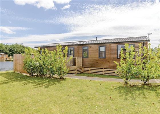 Alder 3 VIP Waterside at Woodland Lakes Lodges, Thirsk