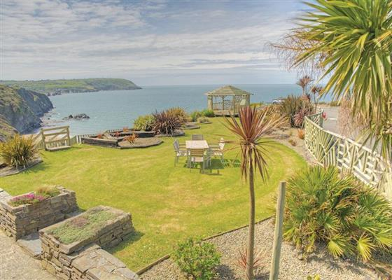 Beachview Apartment B at Gwalia Falls, Cardigan