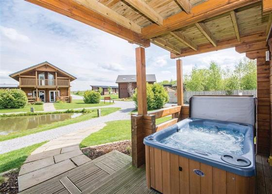 Birch Waterside Lodge at Woodland Lakes Lodges, Thirsk