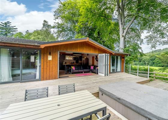 Boutique Spa Lodge 2 at Erigmore Leisure Park, Dunkeld