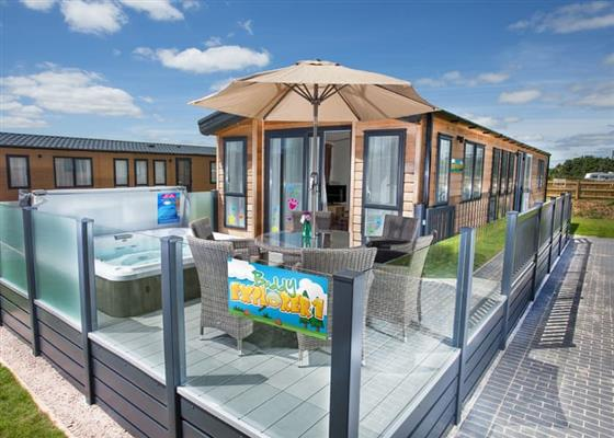 Buddy Explorer Lodge at Crealy Theme Park & Resort, Exeter