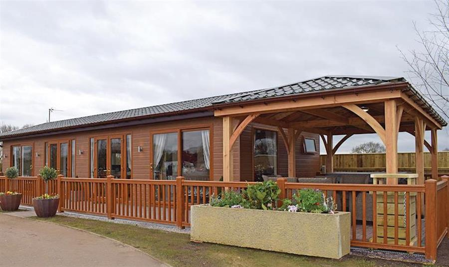 Caistor Lakes Lodges