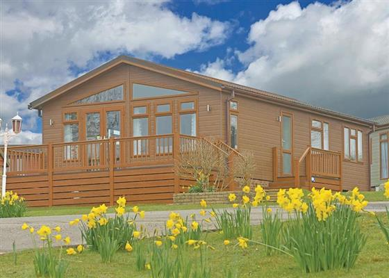 California at Crowhurst Park Lodges, Battle