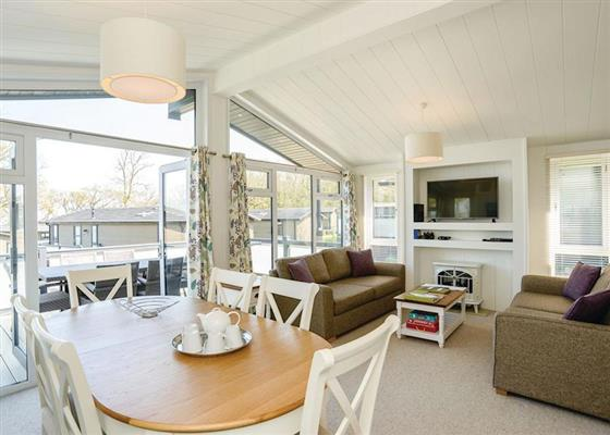 Carisbrooke View Premier at Woodside Beach Lodges, Ryde