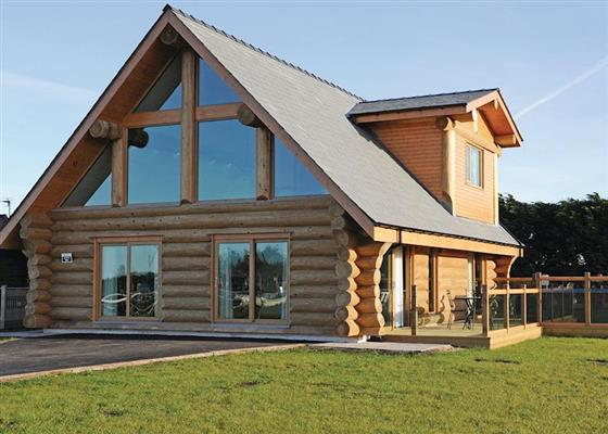 Cedar Log 6 at Ream Hills Holiday Park, Preston