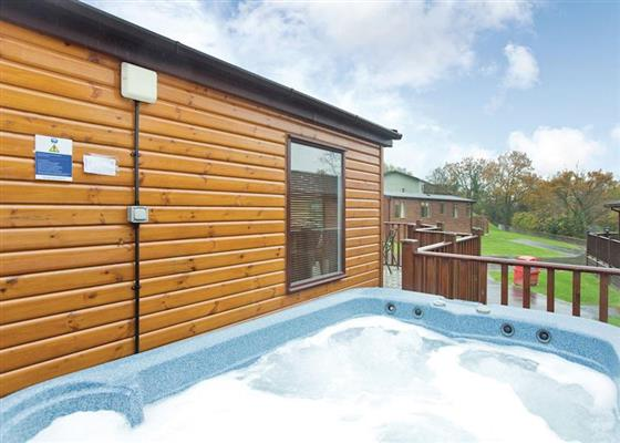 Country Four Plus Gold at Finlake Lodges, Newton Abbot