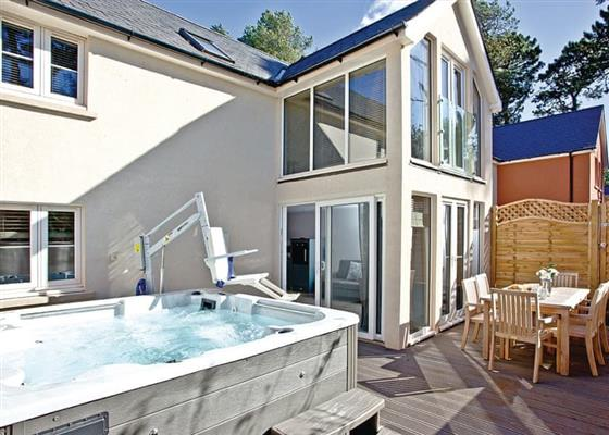 Courtyard Lodge 2 Spa at Barton Pines (Formerly Beyond Escapes Devon), Paignton