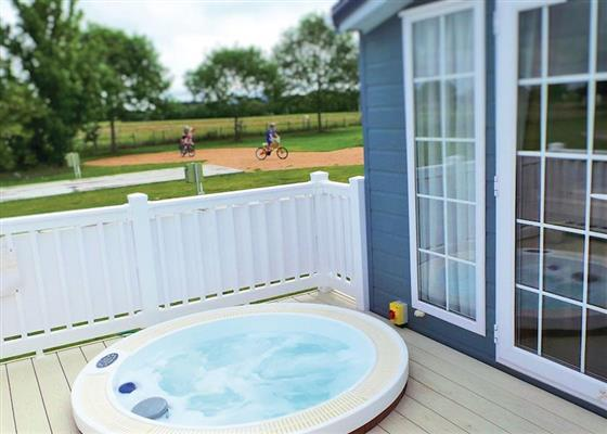 Deluxe Lodge 2 at Riverview Country Park, Forres