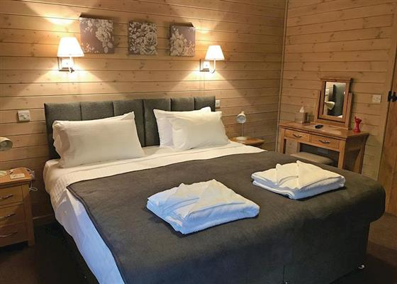 Drake's Lodge at Henlle Hall Woodland Lodges, Oswestry