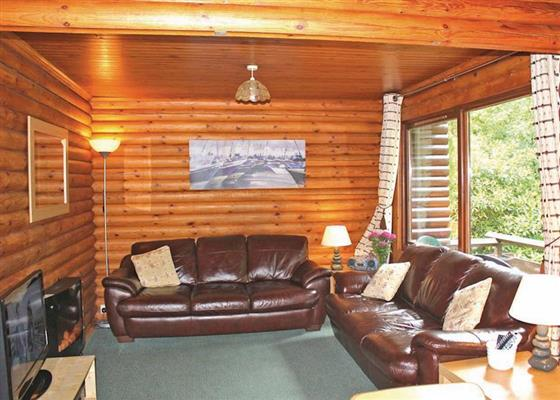 Earn Lodge at Riverside Log Cabins, Crieff