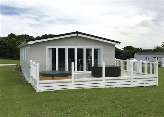 Elder Lodge at Florence Springs Lakeside Lodges, Tenby