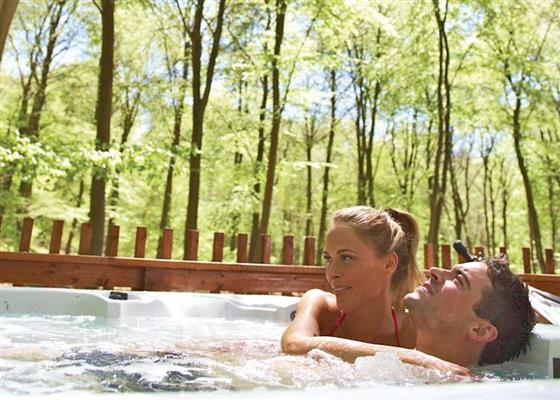 Golden Oak Hideaway at Cropton Lodges, Pickering