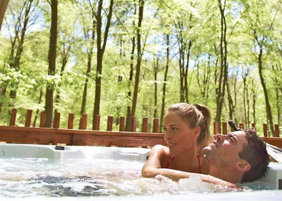 Golden Oak Hideaway at Thorpe Lodges, Thetford