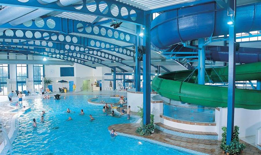 Hendra holiday park newquay cornwall self catering holidays and short break family holidays for Hotels with swimming pools in cornwall