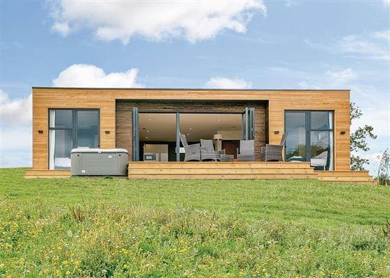 Hill View Luxury at Swanborough Lakes Lodges, Lewes
