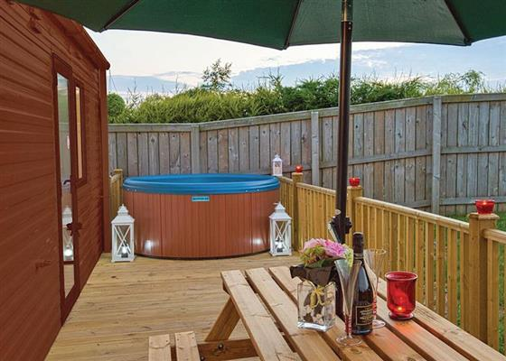 Hot tub in Classic 2 at Applegrove Country Park, Scarborough