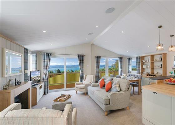 Kestrel Lodge at Challaborough Bay, Kingsbridge