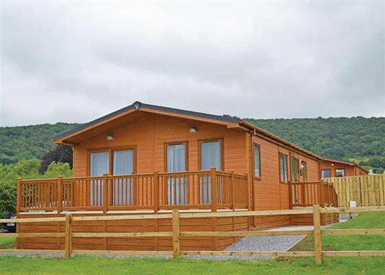 Kingfisher Lodge at Longmead Country Escapes, Cheddar