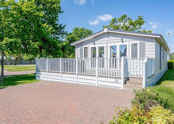 La Belle Maison 4 at Elm Farm Country Park, Clacton-on-Sea