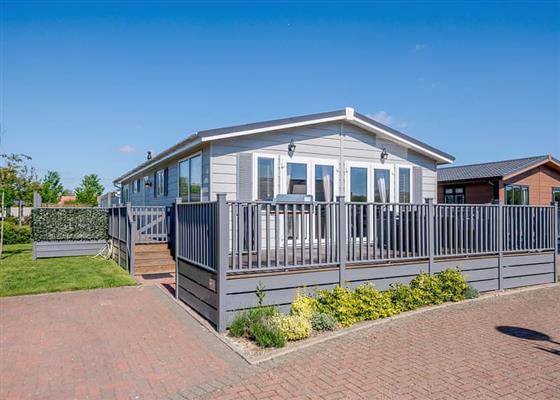 La Belle Maison 6 at Elm Farm Country Park, Clacton-on-Sea
