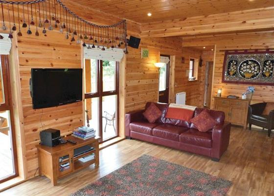 Lakeside Retreat at Anglesey Lakeside Lodges, Menai Bridge