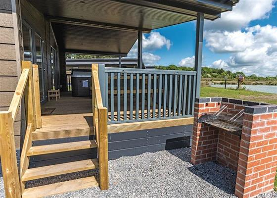 Lakeview 2 Pet Friendly at Woodhall Country Park Lodges, Woodhall Spa