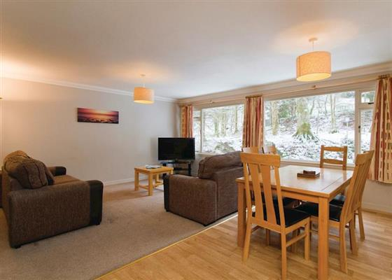 Lapwing Comfort Plus Lodge at Lochgoilhead Lodges, Cairndow
