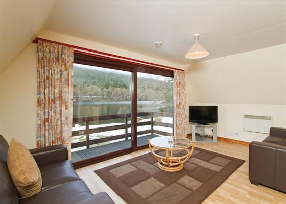 Loch Side Lodge