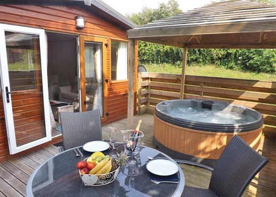 Longnor Wood Deluxe Lodge