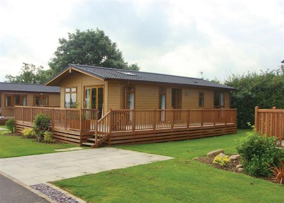 Luxury Caravan 3 at Ashbourne Heights Country Park, Ashbourne
