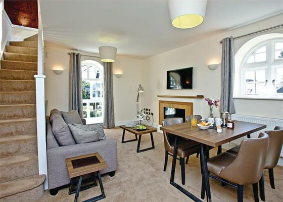 Mansion Suite 2