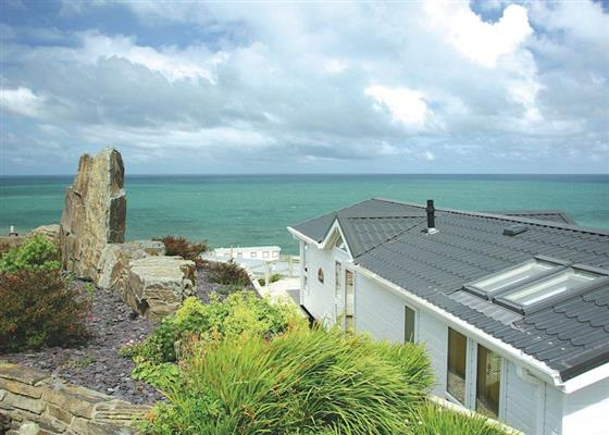 Ocean Vista Lodge at Gwalia Falls, Cardigan