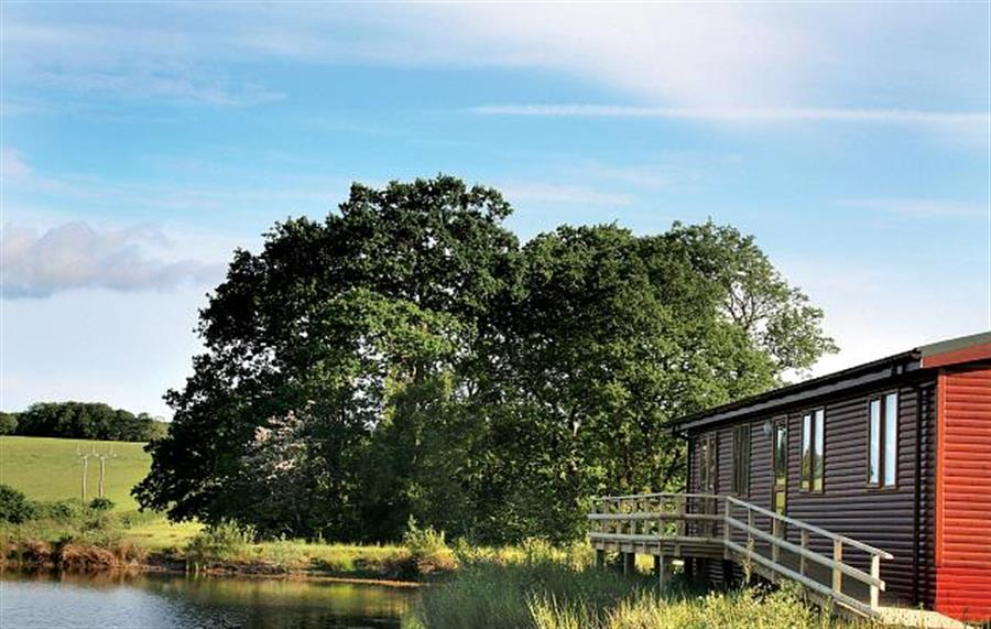 Orchard Lakes Lodges