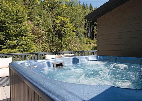 Platinum Albatross Lodge at Lochgoilhead Lodges, Cairndow