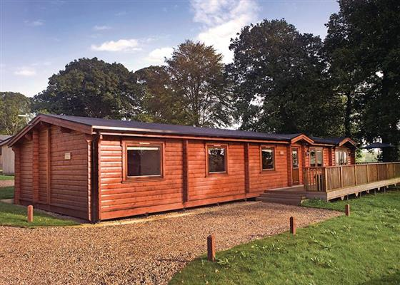 Retreat Lodge at Kenwick Woods Lodges, Louth
