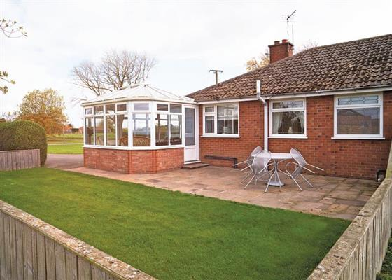 Rose Bungalow at Woodthorpe Leisure Park, Alford