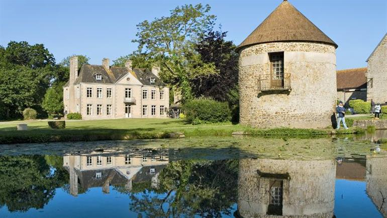 Setting of Chateau Lez Eaux campsite in St Pair-sur-Mer, Normandy