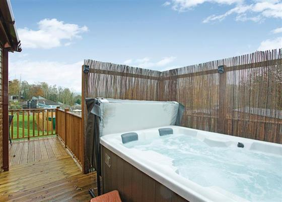 Superior Country Six Plus Platinum at Finlake Lodges, Newton Abbot