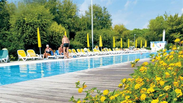 Swimming pool at Garden Paradiso, Cavallino Adriatic