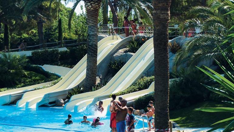 Swimming pool at Playa Montroig Camping Resort, Miami Platja in Costa Dorada
