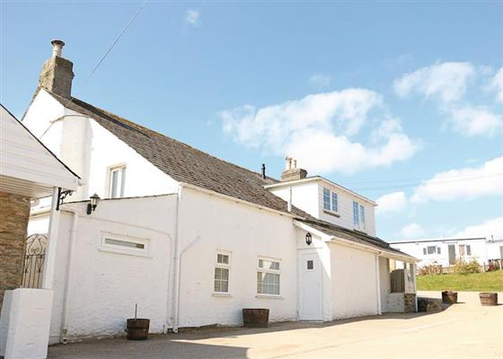 The Farmhouse at Meadow Lakes Holiday Park, Saint Austell