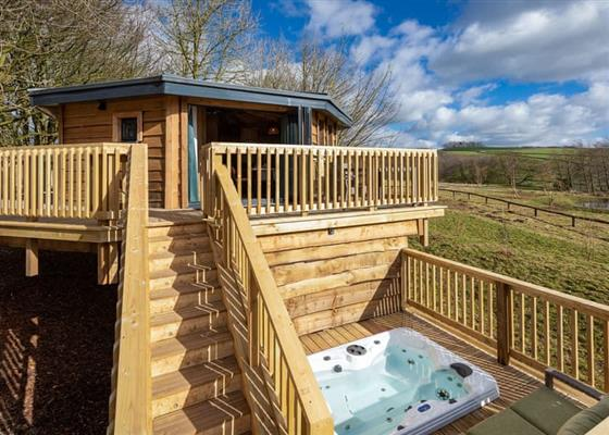 Tissington Treehouses at Rivendale Lodge Retreat, Ashbourne