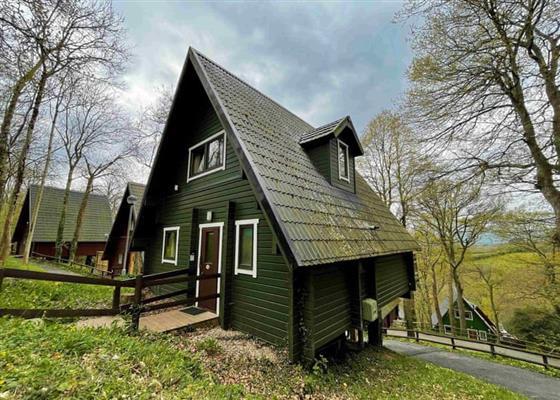 Traditional Woodland Lodge Six VIP at Finlake Holiday Resort, Newton Abbot